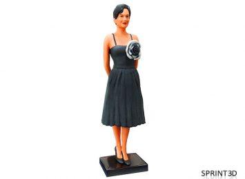 Фигурка «Девушка с черным цветком»