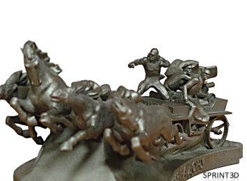 Покрашенная под бронзу мини-копия памятника «Тачанка»