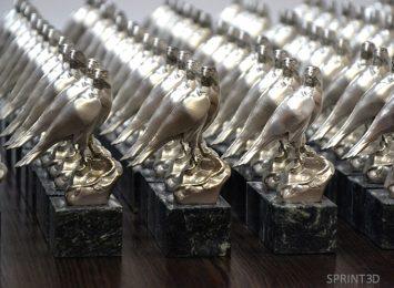 Партия в 200 штук изделий «Сокол» из бронзы с серебрением на мраморной подставке