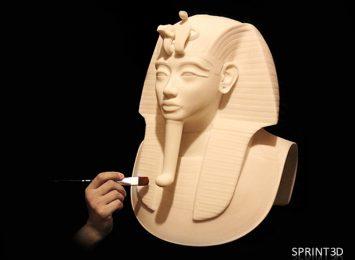 Покраска копии саркофага Тутанхамона из ПММА